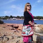 Ju des d'Eivissa amb una bossa XL Tebeo / Ju desde Ibiza con un bolso XL Tebeo