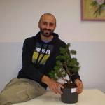 Bruno con la propria pianta