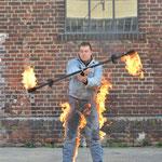 Feuerartistik trifft Feuerstunt