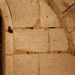 Inscription gravée lors de la donation de la cave au capitre des chanoines.