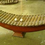 Le Roneat Thung, à bouts pointus est fabriqué avec des tiges de bambous.