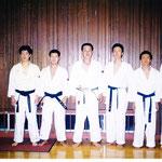 圷先生と教え子との記念の一枚(1995年)