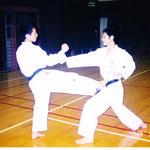水城高校空手部時代の内田先輩と岡崎先輩(1995年)