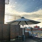 PV Schirm Telekom auf Dach