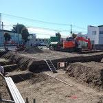 H30.10.17 建物の基礎掘削が進められています。
