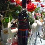 Schön dekorierte Weinflaschen - Wein aus Venetien