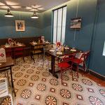 Zementfliesen von CARODECO / Dekor: 7050-1, 20x20 / 1,6 cm // Restaurant in Paris