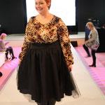 Natürlich war auch Plussize-Model Christin Thomsen in Berlin: Sie trug zum ersten Mal einen Rock aus ihrer eigenen Kollektion, die bald auf den Markt kommen soll.