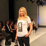 Alle lieben schon jetzt das neue Guido-Shirt! Das wird es sogar schon ab Größe 34 geben (für 29,90 Euro). Ab Juni könnt ihr dieses Shirt hier gewinnen! Foto: Jutta Rogge-Strang