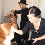 Backstage wurden die Models gestylt, geschminkt und frisiert.
