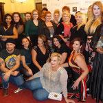 Geschafft und glücklich: Alle Models und Veranstalterin Tanja Marfo auf einem Bild!