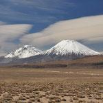 Zwillingsvulkane auf der Ruta Altiplanica