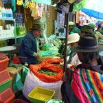 Farbiger Markt in Bolivien