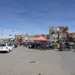 Markt in Oruro, vor allem werden Motorräder aus China verkauft