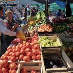 Farbiger Markt in Lebu
