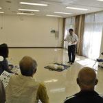 AEDの講習も大勢の住民の関心を得ていました