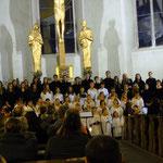 Kinder- und Jugendchor bei ihrem Auftritt