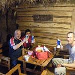 Im Schutz der Hütte gibt´s Brotzeit