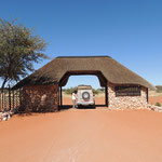Zufahrt zur Bagatelle Kalahari Game Ranch