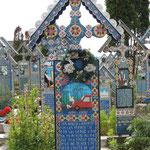 ....jedes Grabkreuz erzählt eine Geschichte