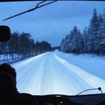 Verschneite Landstraßen
