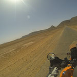 NOch ein letzter Bergrücken, dann wartet die Wüste....