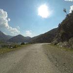 Der Weg hinaus aus den Bergen zog sich...