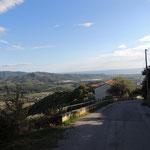 Blick von Castelnuovo Cilento hinunter auf´s Meer