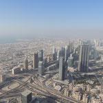 Blick hinab vom Burj Khalifa