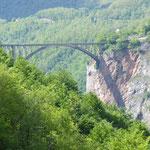 Brücke über die Tara