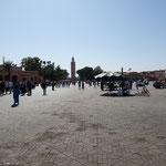 Nachmittags noch ein vergleichweise ruhiger Ort - der Djema el Fna
