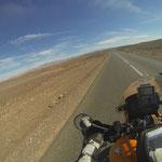 Schnurgerade geht´s nach Ouarzazate