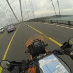 Wir überqueren den Bosporus