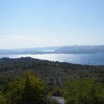 Die letzten Blicke hinunter zur Adria