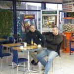 Kaffeepause kurz hinter der spanischen Grenze...