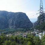 Blick zurück auf die Adria und Omis