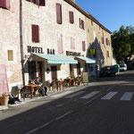 Hier gibt´s Café au Lait und Croissants