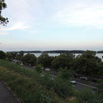 Blick hinunter zur Donau