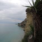 Steilküste im Nordwesten von Korfu