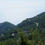 Kurvig geht´s hinunter zur Adria