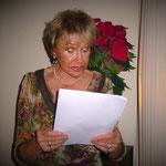 """Gisela liest uns über die """"Vier Kerzen"""" vor"""