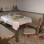 großer Spiel-u. Wohnraum (Platz f. 10 Personen)