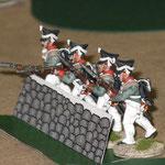 La fanteria di linea russa ben al riparo dietro un .....  solido muretto.