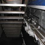 La scala per l'uscita dei visitatori dal sommergibile, ricavata dal portello di imbarco dei siluri.