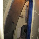 Vano doccia con lavandino. Questo spazio in navigazione veniva spesso usato come deposito viveri o per altri materiali.
