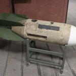 Bomba di aereo da esercitazione in cemento.