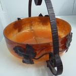 SOLDFrankreich, Jugendstil, pâtes de verre, orange, signiert DEGUÉ, Durchmesser 24 cm, Tiefe bis zum Griff 22 cm, Tiefe der Schale 9 cm.