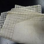 German handkerchief, finest lawn linen. Superb handworked drawn-thread lace. 25 x 25 cm. €35