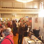 Interessierte Besucher an der Seniorenmesse 55+ im Stadttheater Olten