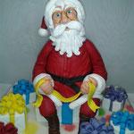 Фигурка Санта Клауса 21 см. Сахарная мастика.